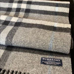 Burberry London Grey Scarf. 100% Authentic